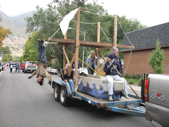 BYU ASCE Homecoming Float 2008